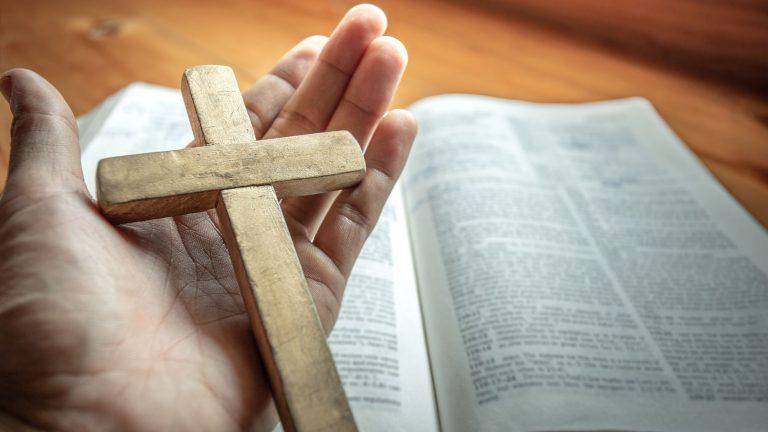 Il galateo del funerale le regole di comportamento nel rito cattolico